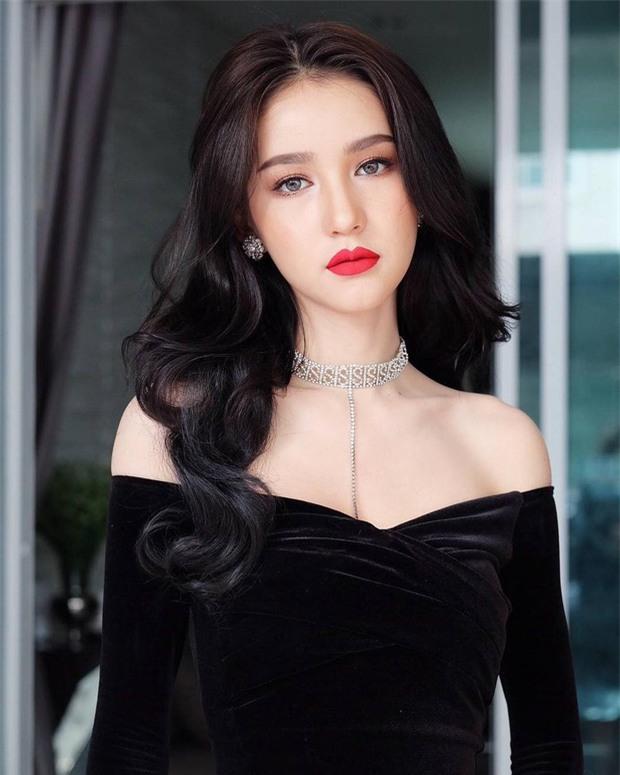 Hậu đăng quang, Hoa hậu chuyển giới Thái Lan 2017 lại khiến dân tình náo loạn vì đẹp đến mức khó tin - Ảnh 1.