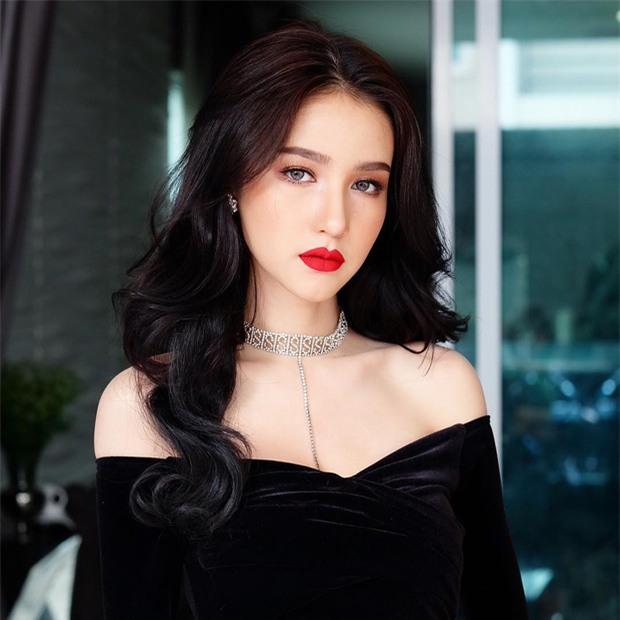 Hậu đăng quang, Hoa hậu chuyển giới Thái Lan 2017 lại khiến dân tình náo loạn vì đẹp đến mức khó tin - Ảnh 2.