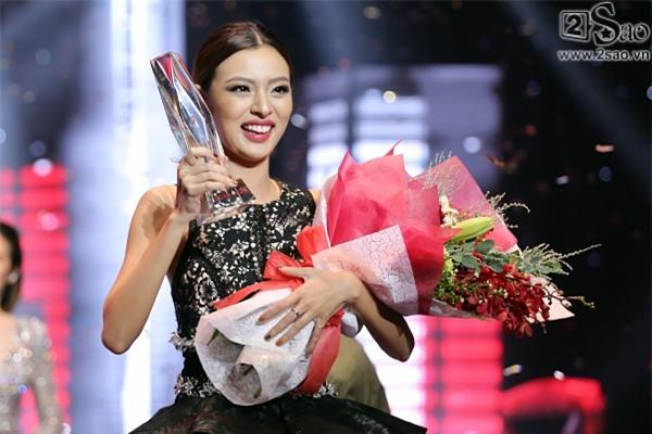 4 cô nàng nấm lùn nhưng ùn ùn người theo của showbiz Việt-1