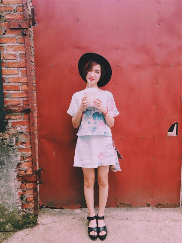 4 cô nàng nấm lùn nhưng ùn ùn người theo của showbiz Việt-10