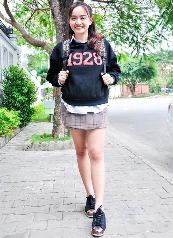 4 cô nàng nấm lùn nhưng ùn ùn người theo của showbiz Việt-8