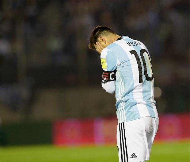 Messi tịt ngòi, Argentina hòa không bàn thắng trên sân của Uruguay - Ảnh 4.