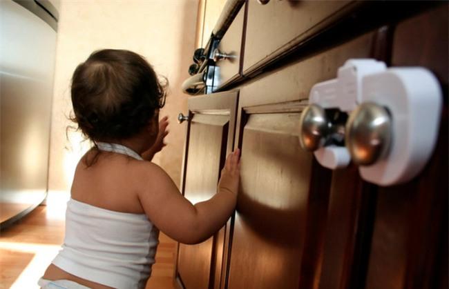 Điểm danh những thứ gây ra tai nạn trẻ em mỗi ngày ngay trong nhà bạn - Ảnh 3.