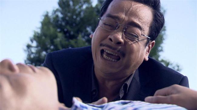 Tập cuối Người phán xử: Cảnh công an gạt tay cháu nội Phan Quân gây tranh luận dữ dội - Ảnh 2.