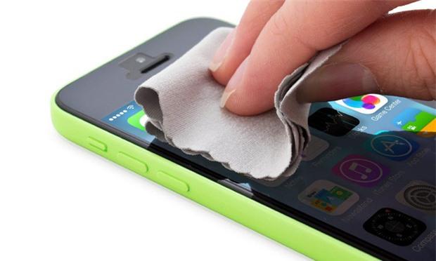 7 việc làm sau sẽ khiến iPhone của bạn hỏng nhanh hơn bình thường - Ảnh 3.