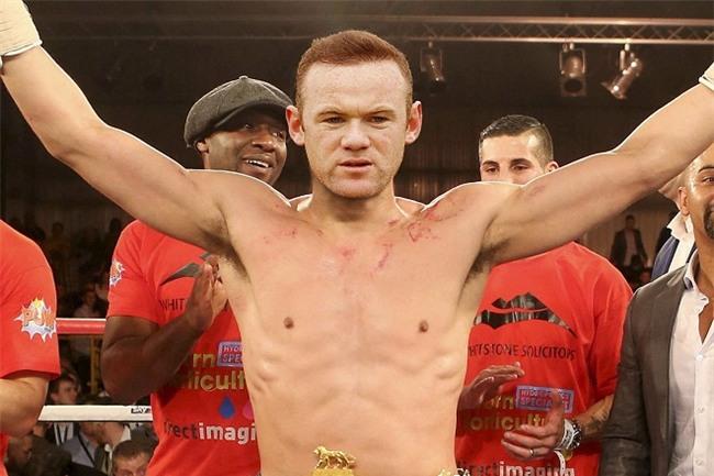 """Wayne Rooney bị gán mác """"ông chú bụng phệ"""" vì thói hư này! - 8"""