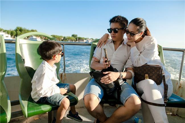 MC Dương Thùy Linh: Con trai tôi được hưởng nhiều thứ không thua Hoàng tử George-7
