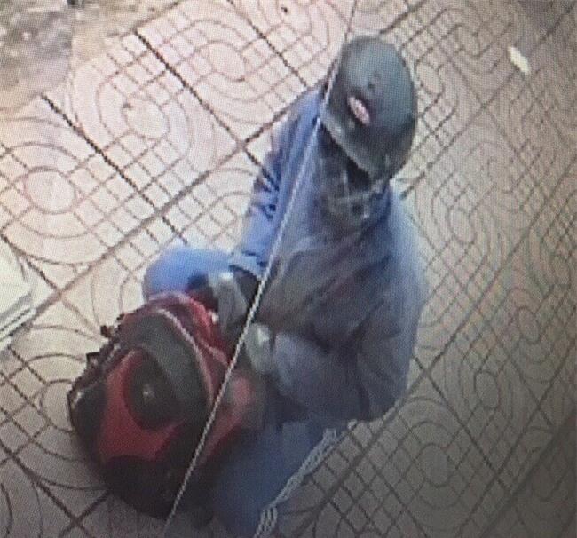Hình ảnh ban đầu tên cướp Ngân hàng ở Đồng Nai - ảnh 1
