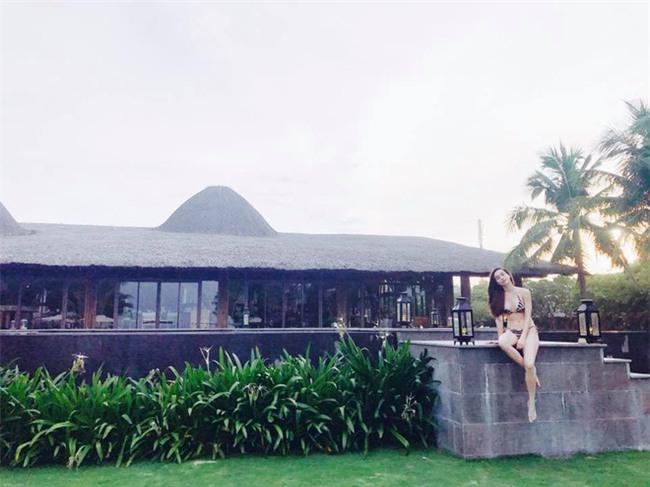 Hồ Ngọc Hà nóng bỏng khi nghỉ dưỡng tại Đà Nẵng - Ảnh 3.