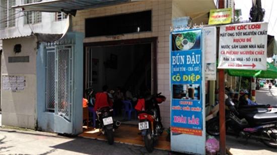 Thăm quán bún đậu và nơi ở đạm bạc của gia đình Đông Hùng - Ảnh 1.