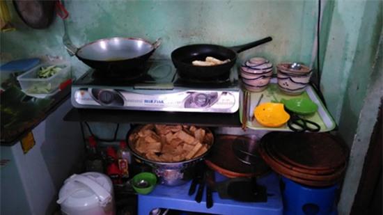 Thăm quán bún đậu và nơi ở đạm bạc của gia đình Đông Hùng - Ảnh 5.