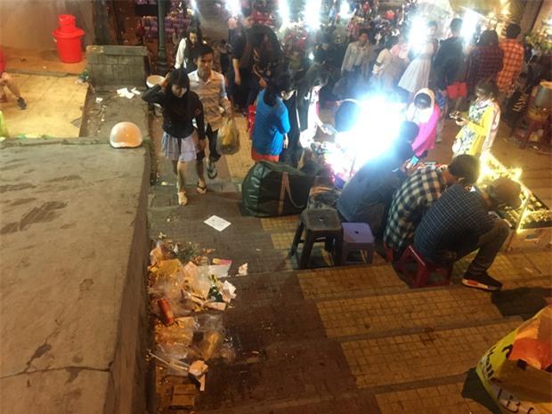 Nhắc nhở người bán hàng, cô lao công ở Đà Lạt nhận lại câu nói: Không xả rác thì lấy việc đâu các cô làm! - Ảnh 11.