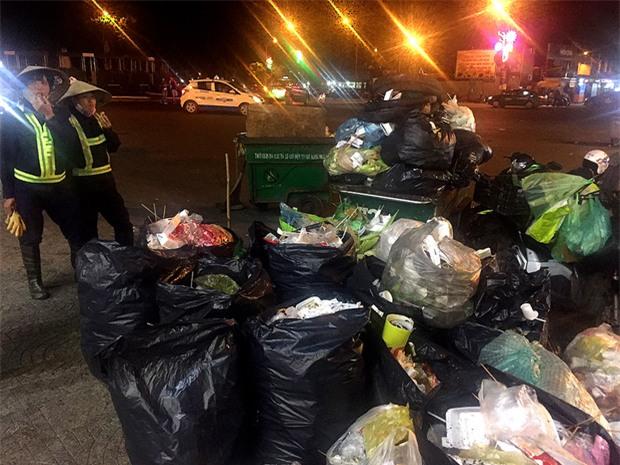 Nhắc nhở người bán hàng, cô lao công ở Đà Lạt nhận lại câu nói: Không xả rác thì lấy việc đâu các cô làm! - Ảnh 4.