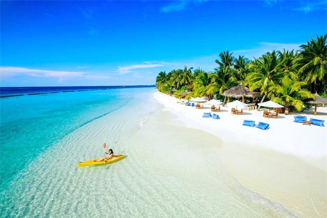 """Hường Chuối – Hotmom 9x cùng bạn trai giấu mặt ngao du """"Thiên đường Maldives"""" hết 85 triệu - Ảnh 11."""