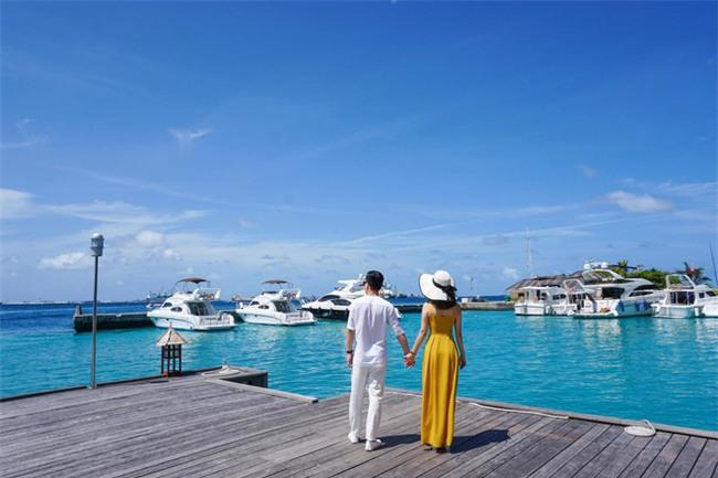 """Hường Chuối – Hotmom 9x cùng bạn trai giấu mặt ngao du """"Thiên đường Maldives"""" hết 85 triệu - Ảnh 16."""