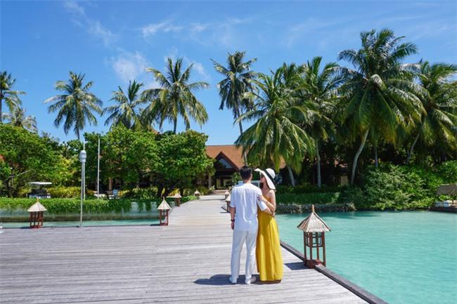 """Hường Chuối – Hotmom 9x cùng bạn trai giấu mặt ngao du """"Thiên đường Maldives"""" hết 85 triệu - Ảnh 5."""