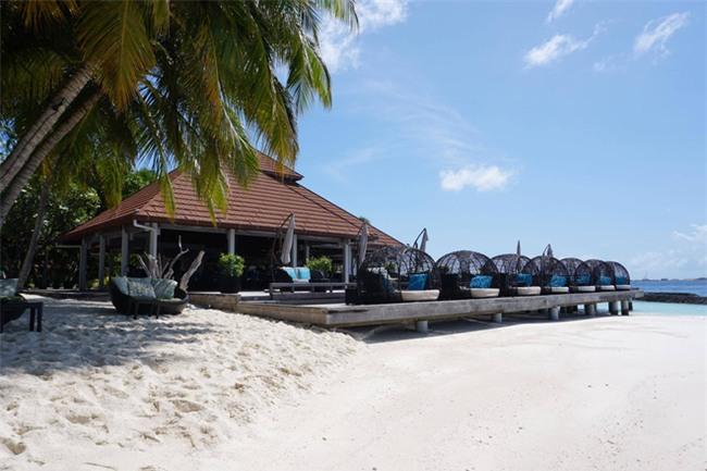 """Hường Chuối – Hotmom 9x cùng bạn trai giấu mặt ngao du """"Thiên đường Maldives"""" hết 85 triệu - Ảnh 8."""