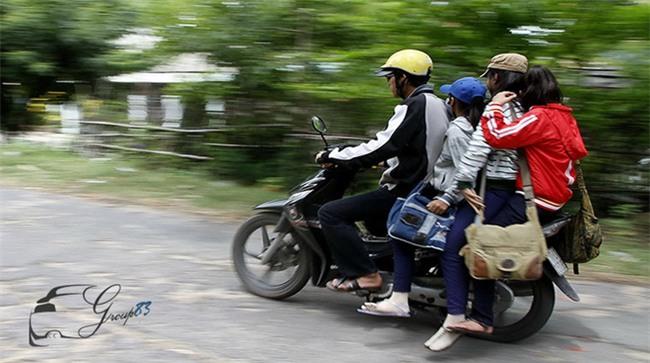 Hình ảnh người phụ nữ trên phố Hà Nội khiến cánh đàn ông tái mặt nể phục  - Ảnh 4.