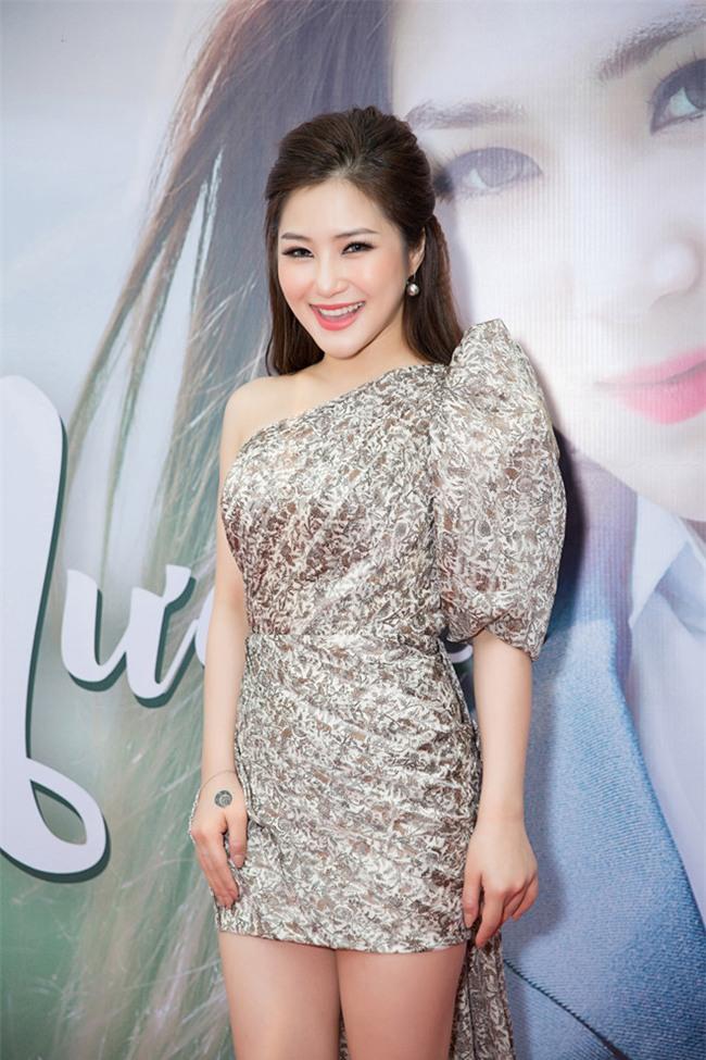Huong Tram ra MV moi dam chat 'ngon tinh hoc duong' hinh anh 2