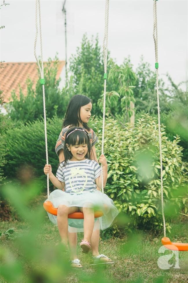 Mẹ của hai cô con gái: Đừng tin lời ông bố dạy con Học ít thôi, chơi là chính! - Ảnh 1.