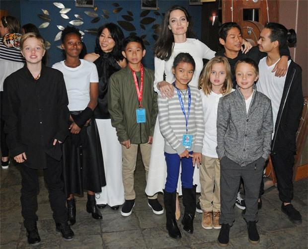 Cuộc hôn nhân Brad Pitt và Angelina Jolie: Ngôn tình đấy nhưng không thiếu chiêu trò để PR tên tuổi - Ảnh 8.