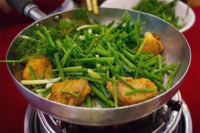 8 món ăn dân dã khách Tây hay rỉ tai nhau phải nếm khi đến Hà  Nội - Ảnh 11.