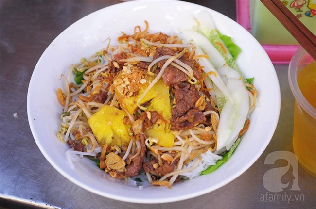 8 món ăn dân dã khách Tây hay rỉ tai nhau phải nếm khi đến Hà  Nội - Ảnh 12.
