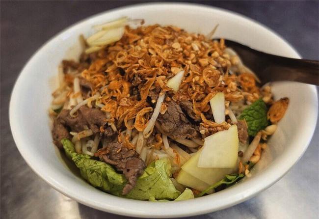 8 món ăn dân dã khách Tây hay rỉ tai nhau phải nếm khi đến Hà  Nội - Ảnh 13.