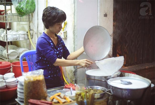 8 món ăn dân dã khách Tây hay rỉ tai nhau phải nếm khi đến Hà  Nội - Ảnh 14.