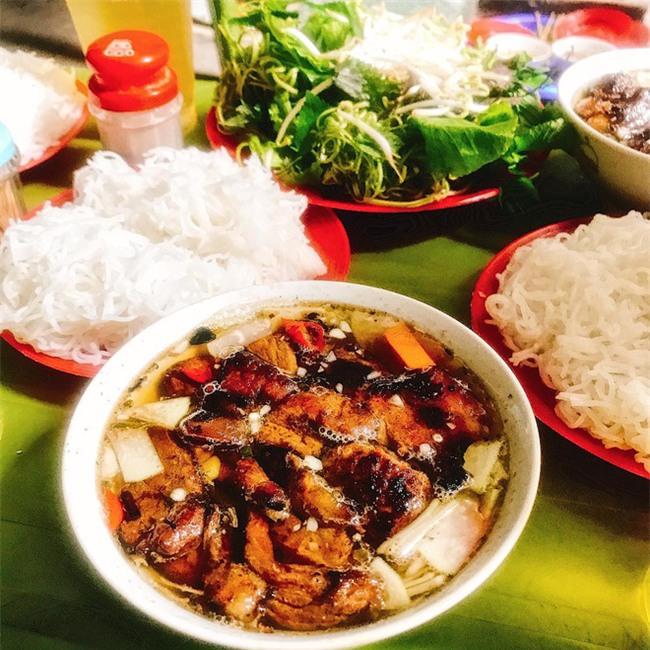8 món ăn dân dã khách Tây hay rỉ tai nhau phải nếm khi đến Hà  Nội - Ảnh 7.