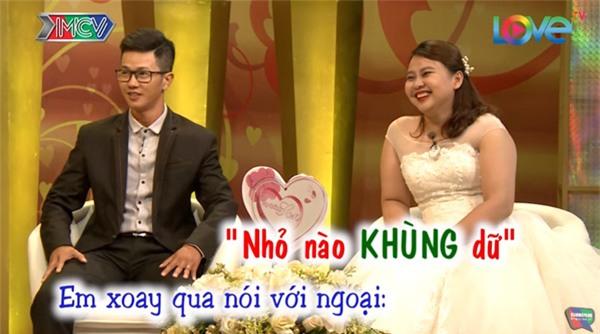 """cuoi te ghe chuyen chong mang hoa co chu """"vu lan bao hieu"""" tang vo ngay tan tinh - 10"""