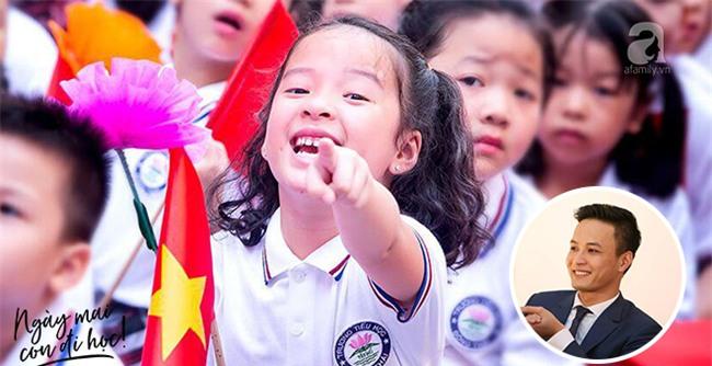 Bí quyết dạy con của Hồng Đăng: Cho con môi trường tốt nhất, bơi được bao xa là ở con! - Ảnh 3.
