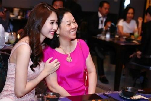 Vị hôn phu đại gia của Hoa hậu Thu Thảo - thần tiên tỉ tỉ của showbiz Việt giàu có tới cỡ nào? - Ảnh 19.