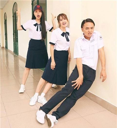 Sao Việt cưa sừng với đồng phục học sinh: Người trẻ măng tơ, kẻ già trước tuổi-6