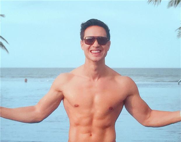 Lộ ảnh Kim Lý ân cần xách va ly cho Hồ Ngọc Hà và Subeo sau chuyến nghỉ dưỡng nhân dịp lễ 2/9 - Ảnh 4.