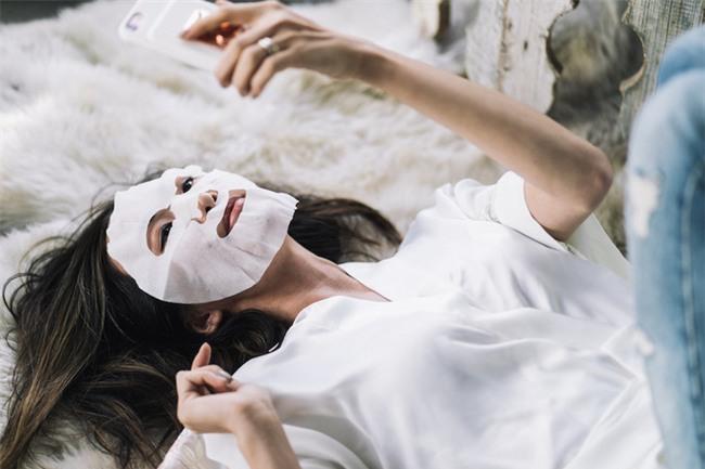 Đắp mặt nạ giấy hàng ngày giống Phạm Băng Băng, nhưng bạn phải lưu ý những điều sau để không mất tác dụng - Ảnh 8.