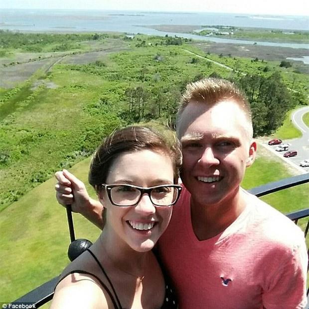 Chàng trai tỉnh dậy phát hiện vợ chết ngay cạnh mình, tự nhận đã giết vợ và đổ lỗi cho việc uống thuốc kháng sinh quá liều - Ảnh 3.
