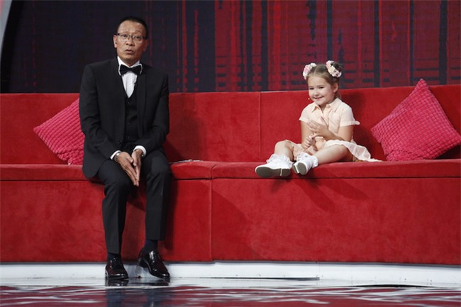 Little big shots bản Việt: Bella – Cô bé Nga 5 tuổi thành thạo 8 thứ tiếng đã xuất hiện - Ảnh 4.