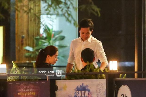 Hoa hậu Thu Thảo xuất hiện tay trong tay tình tứ cùng chồng sắp cưới trên phố sau khi báo hỷ - Ảnh 6.
