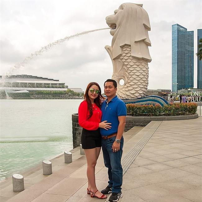 Ghen tị với cuộc sống xa hoa của cô vợ Đà Nẵng được tặng nhẫn kim cương, đi siêu xe 7 tỉ - Ảnh 11.