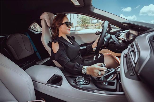 Ghen tị với cuộc sống xa hoa của cô vợ Đà Nẵng được tặng nhẫn kim cương, đi siêu xe 7 tỉ - Ảnh 18.