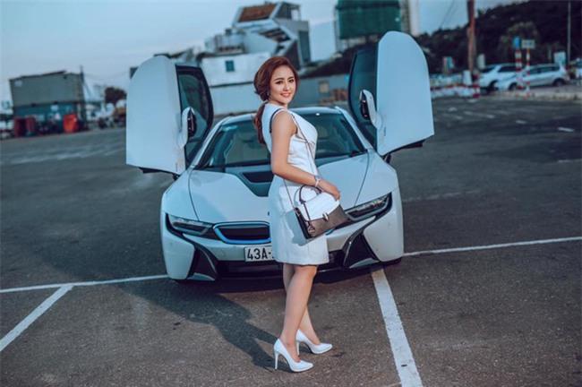 Ghen tị với cuộc sống xa hoa của cô vợ Đà Nẵng được tặng nhẫn kim cương, đi siêu xe 7 tỉ - Ảnh 20.