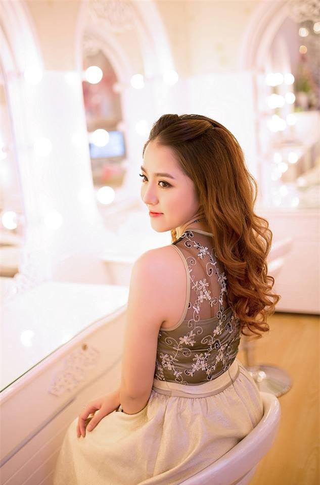 Ghen tị với cuộc sống xa hoa của cô vợ Đà Nẵng được tặng nhẫn kim cương, đi siêu xe 7 tỉ - Ảnh 25.