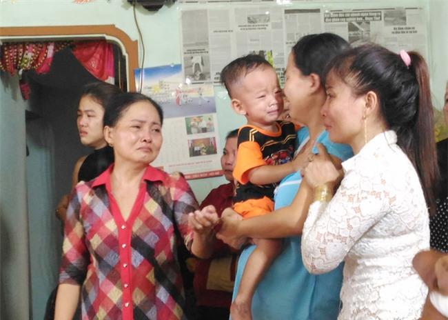 """Mẹ chiến sĩ chữa cháy hi sinh khi đang dập lửa ở Sài Gòn: """"Nó còn chưa kịp đặt tên cho con"""" - Ảnh 6."""