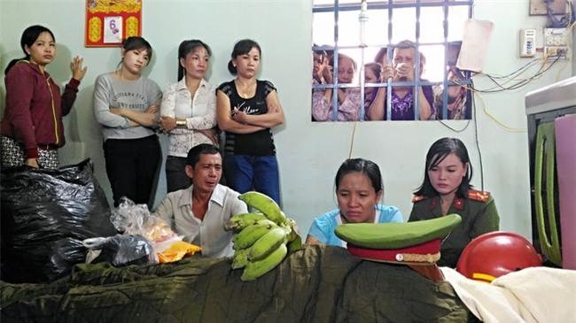 """Mẹ chiến sĩ chữa cháy hi sinh khi đang dập lửa ở Sài Gòn: """"Nó còn chưa kịp đặt tên cho con"""" - Ảnh 7."""