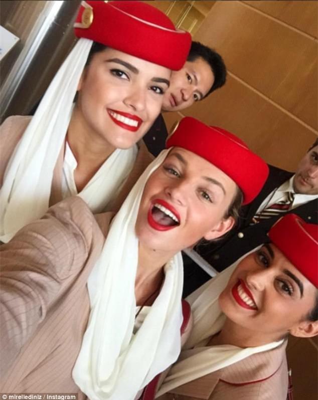 Dù bận rộn, nhưng các tiếp viên hàng không lúc nào cũng rạng rỡ là nhờ vào bí kíp đơn giản thế này - Ảnh 1.
