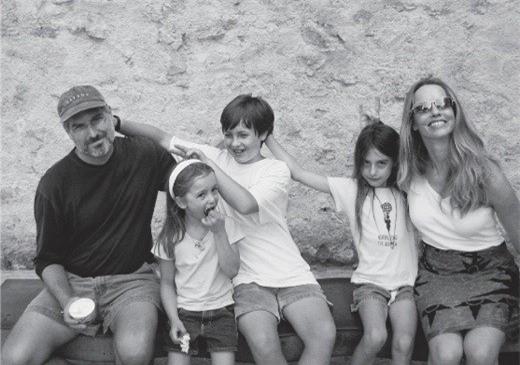 Hình ảnh cả gia đình của Steve Jobs chụp cách đây hơn 10 năm
