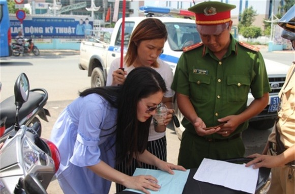 chuyện làng sao,sao Việt,Ngọc Lan, hương Trinh Jolie