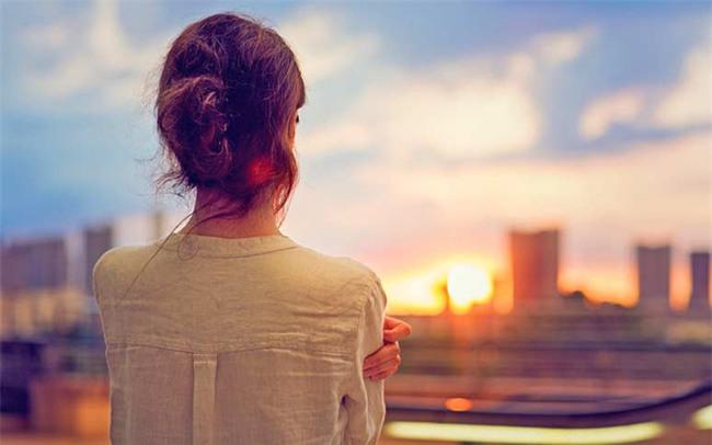 Chồng ngoại tình, vợ khiến chồng phải hối hận, khóc lóc xin lỗi mà không cần đánh ghen ầm ĩ - Ảnh 4.