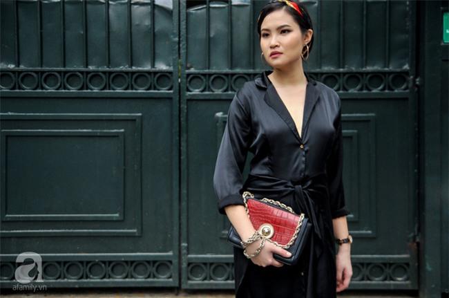 Thời tiết ẩm ương nhưng các quý cô miền Bắc vẫn mặc đẹp hết sảy trong street style tuần này - Ảnh 2.